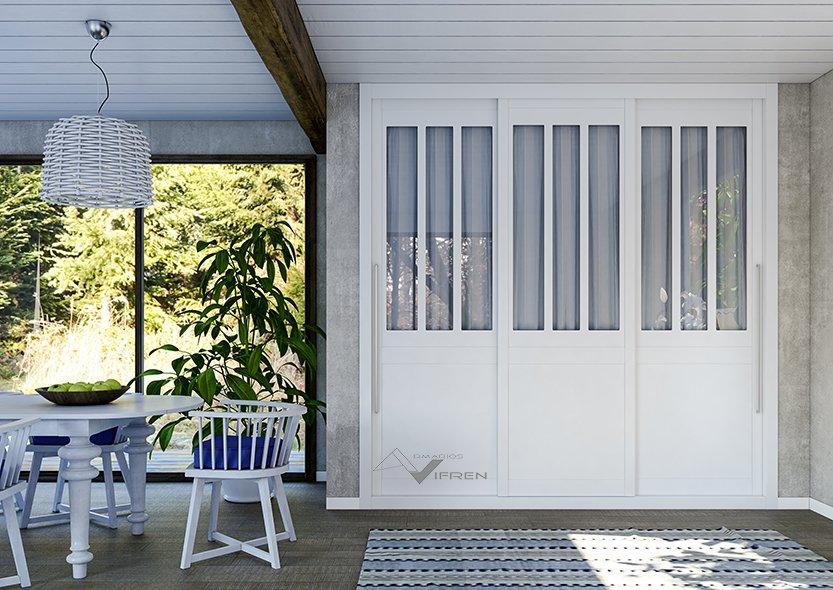 Armario 3 puertas correderas lacadas y vidrio mate